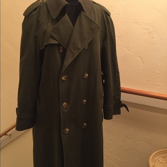 matching in colour buy popular hot sales Men vintage Brooks Brothers green trench coat 40 R